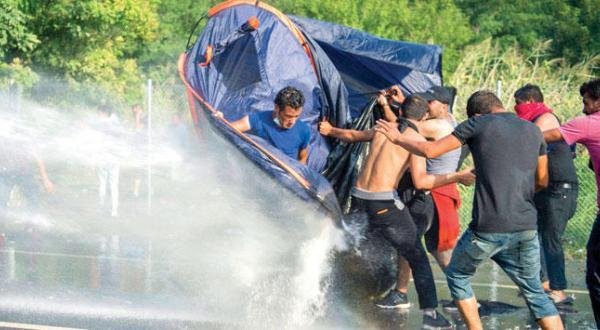 بانک مرکزی آلمان موتفق پذیرش پناهندگان برای مقابله با چالش ها