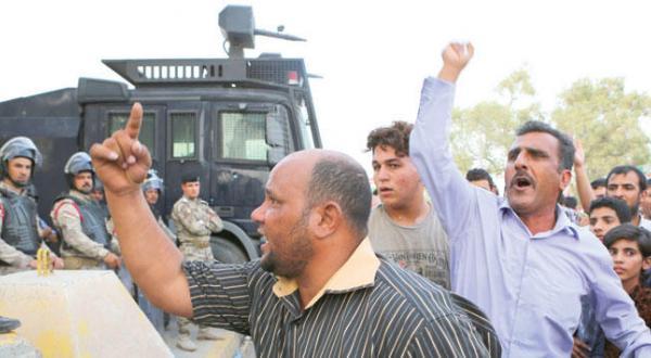 یکی از نزدیکان مرجعیت نجف: سیاستمداران شیعه مراجع بزرگ را تهدید به قتل می کنند
