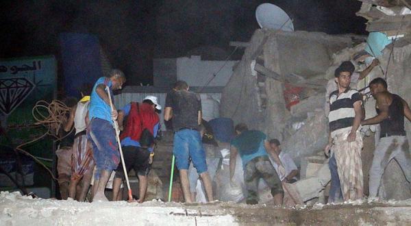 دولت یمن به سازمان ملل: بمباران تعز توسط شبه نظامیان حوثی و صالح «جنایت جنگی» است