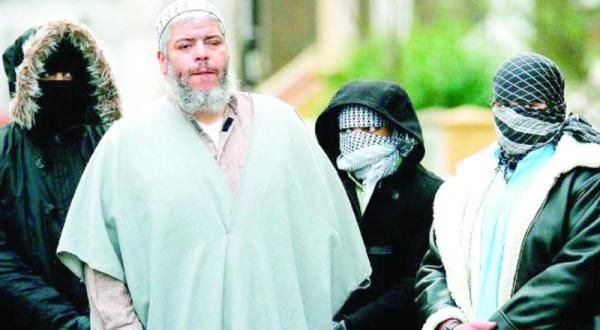 ابو حمزه المصری از زندان خود در آمریکا: بیش از ۳ ماه از تماس گرفتن با خانواده ام منع شدم