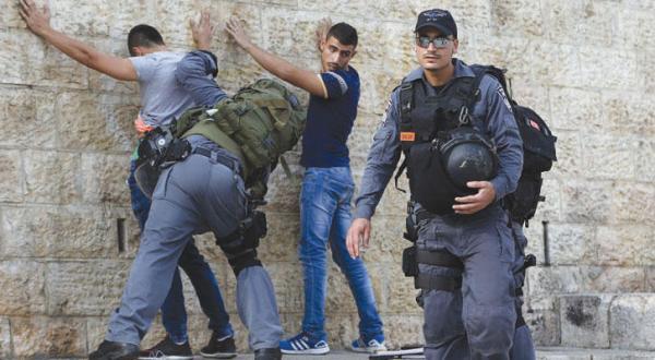 تصمیم اسرائیل برای قرار دادن تمام مردم فلسطین در شمار «مظنونان»