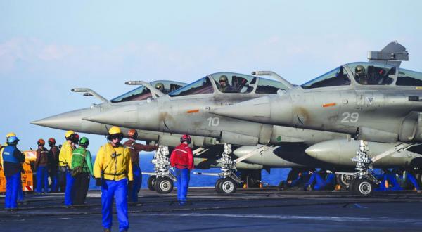 فرانسه جنگ بر ضد «داعش» را به الرقه منتقل می کند… وحشت بلژیک را فرا می گیرد