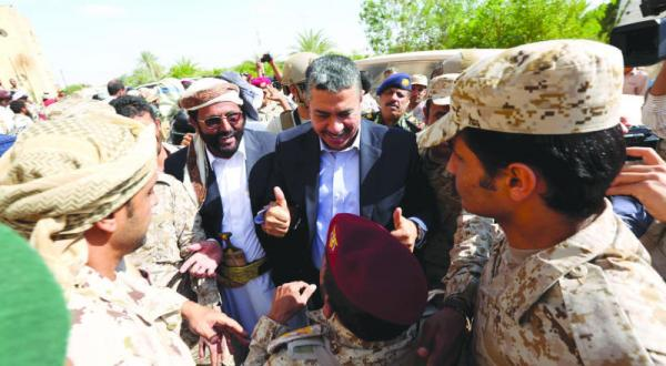 بحاح در جبهه مأرب… به پا خواستن دانش آموزان صنعا بر علیه بازدید حوثی