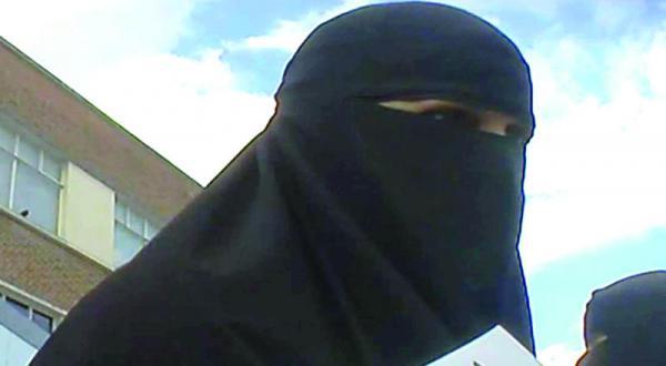 یک باند سری در بریتانیا برای به خدمت گرفتن زنان در «داعش»