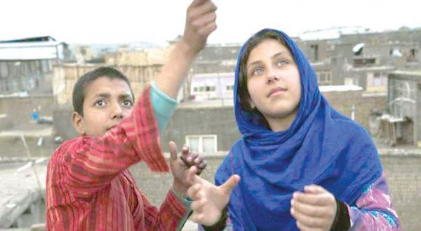 فیلم «مینا راه می رود».. داستان دختری افغانی که زندگی او را تسخیر می کند