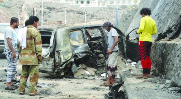 جوشش عدن پس از ترور فرماندار.. دولت داعشیهای صالح و حوثی را متهم می کند