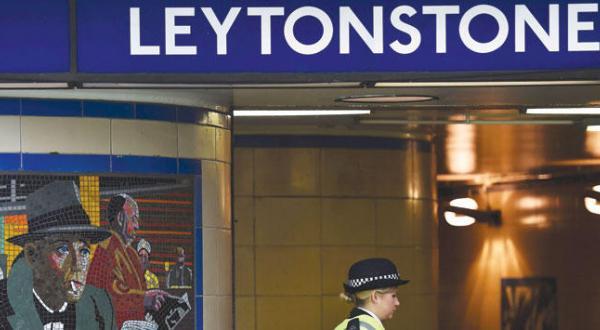 قدردانی کامرون از شخصی که به تروریست متروی لندن گفته بود: «تو مسلمان نیستی»