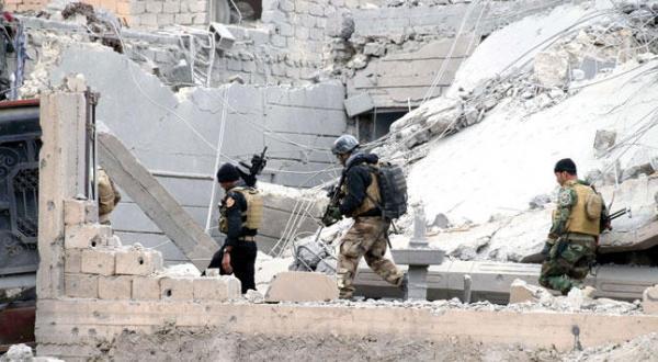 نیروهای امنیتی عراق در رمادى (AP)