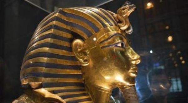 ماسک طلای توت عنخ آمون به موزه مصر باز خواهد گشت