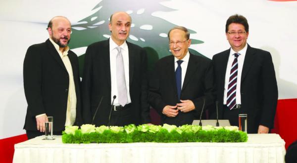 کاندید کردن عون توسط جعجع حساب و کتاب های ریاست جمهوری لبنان را به هم می ریزد