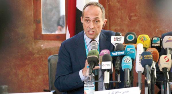 جولیان هارنس نماینده یونیسف در کنفرانسی مطبوعاتی در صنعا- عکس از خبرگزاری فرانسه