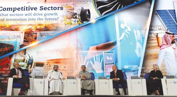 الفالح: عربستان سعودی قادر است سال ها در برابر کاهش قیمت نفت مقاومت کند