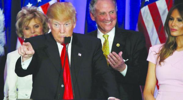 «سونامی پیروزی ها» بوش را مغلوب ترامپ می سازد