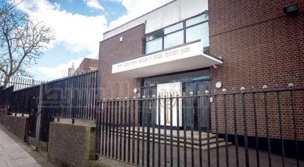 یکی از مدارس یهودی در شمال لندن – عکس از جیمز هانا