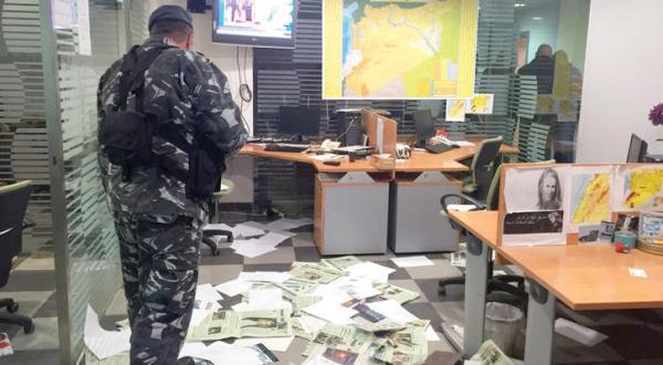 """""""الشرق الاوسط"""" حمله گروهی از جوانان ناشناس به دفتر خود در بیروت را محکوم کرد"""