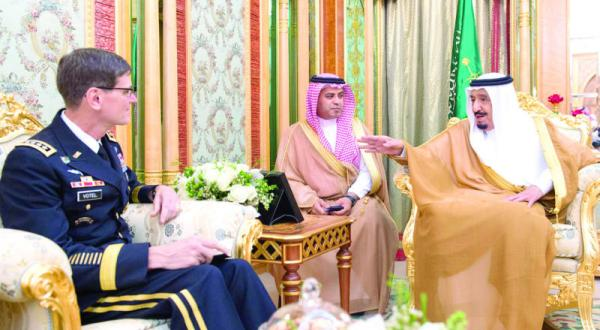 دیدار پادشاه عربستان سعودی با فرماندهی ستاد مرکزی آمریکا در جده