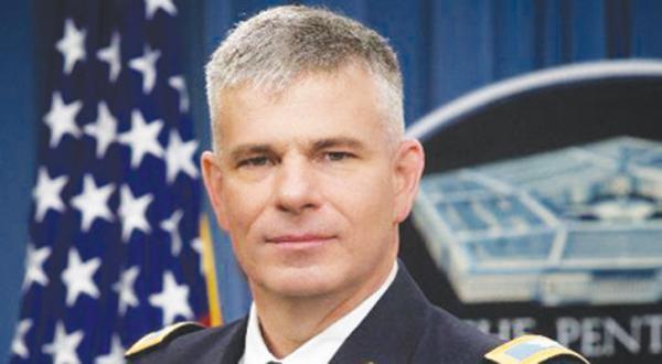 کلنل استیو وارن سخنگوی ائتلاف بین المللی مبارزه با «داعش» کلنل استیو وارن