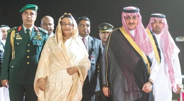 ولیعهد عربستان سعودی به استقبال نخست وزیر بنگلادش رفت