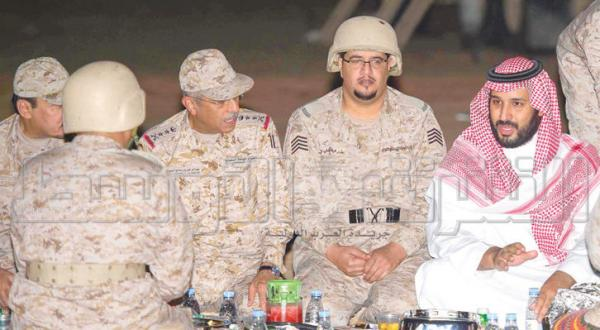 افطار شاهزاده محمد بن سلمان با افسران و سربازان
