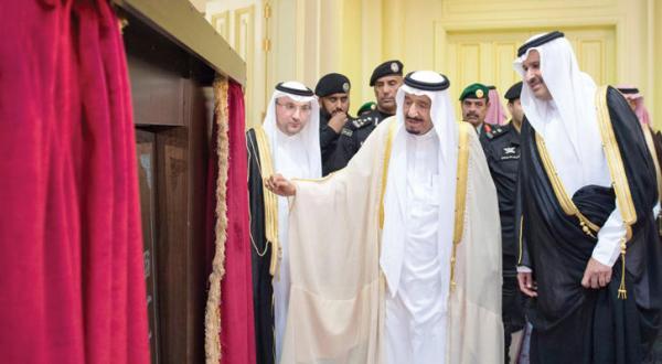 پادشاه سلمان از شهر پیغمبر: همه ما خادم الحرمین هستیم