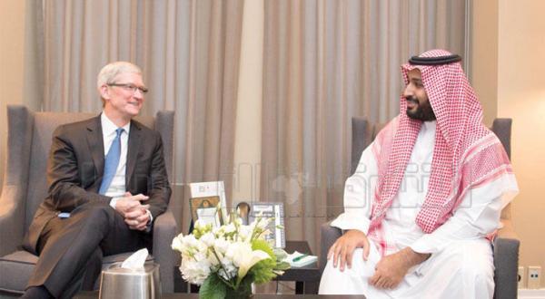 شاهزاده محمد بن سلمان، با تیم کوک مدیر عامل شرکت «اپل»