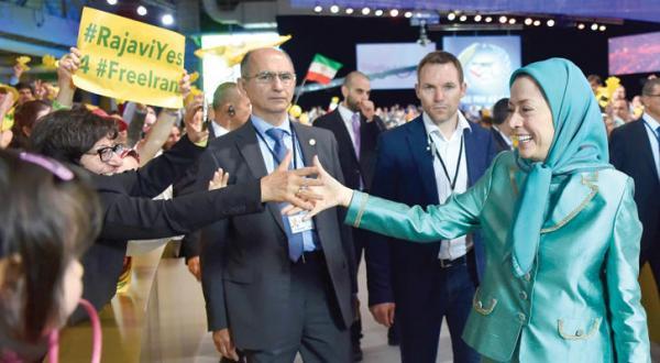 اپوزیسیون ایران: ریشه کنی آخوندها امکان پذیر شده است