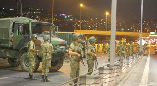 سرانجام نامعلوم ترکیه … اردوغان: کودتا نافرجام است