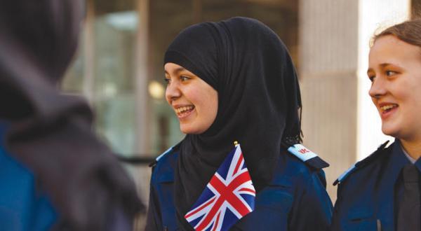 بعد از جنجال «مایو اسلامی».. اسکاتلند و کانادا از حجاب حمایت می کنند