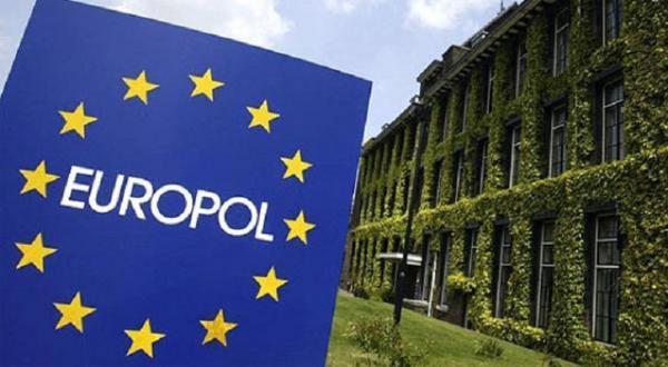 """""""یوروپل"""" به دنبال افراط گرایان در اردوگاه های آوارگان در یونان"""