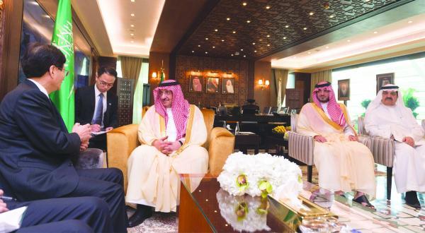 دیدار خادم حرمین شریفین و فرستاده ویژه رئیس جمهور چین