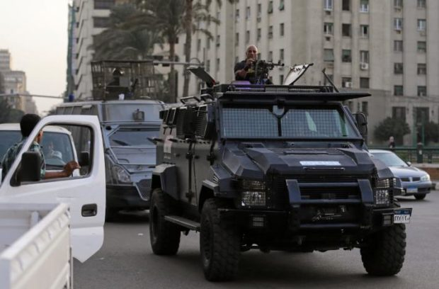 دادگاهی در قاهره رای به حذف نام احمد شریف داد