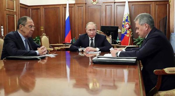 : ولادمیر پوتین رئیس جمهور روسیه و وزیر دفاع و خارجه این کشور دیدار کردند