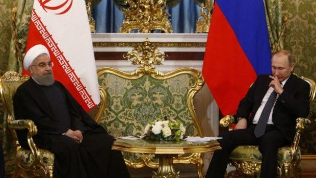 روحانی و پوتین به جای مسایل سیاسی روی مسایل اقتصادی تمرکز کردند