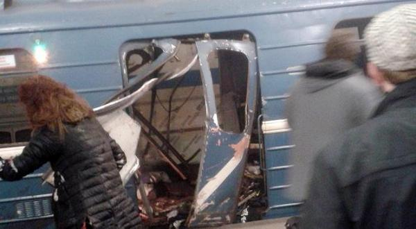 انفجار در متروی سنپترزبورگ و زخمی و کشته شدن ده ها نفر