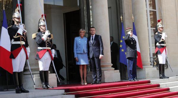 مکرون ریاست جمهوری فرانسه را تحویل گرفت