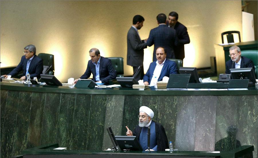 نمایندگان مجلس ایران از پاسخهای روحانی قانع نشدند
