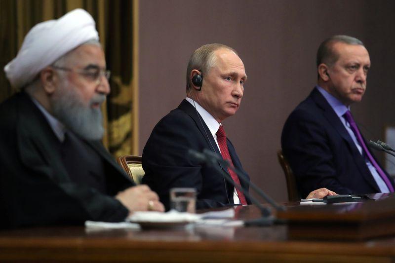 روسیه و ایران و ترکیه درباره سوریه گفتوگو میکنند