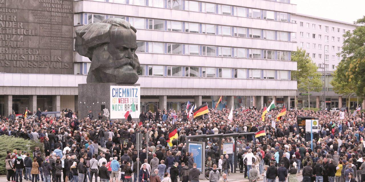 کمنیتس زادگاه کارل مارکس در تصرف راست گرایان افراطی