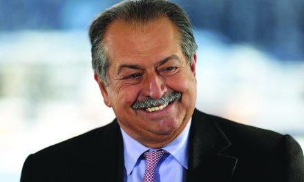 معروفترین اقتصاددان جهان مشاور ویژه صندوق سرمایه گذاری سعودی شد