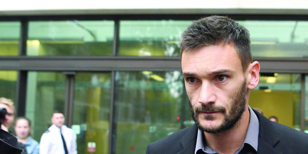 ابطال گواهینامه رانندگی دروازبان ملی فرانسه به دلیل مستی