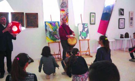 جشنواره موسیقی ویژه معلولان با مشارکت بیش از ۱۰۰ هنرمند در تونس افتتاح شد