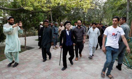 چارلی چاپلین افغانی خنده را بر لبهای کابلیها مینشاند