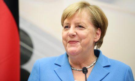 تاکید مرکل بر پایبندی آلمان به راه حل دو کشور اسرائیل وفلسطین