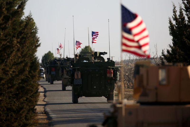 واشنگتن با نگه داشتن نیروهای آمریکایی در سوریه برای جنگ علنی آماده می شود