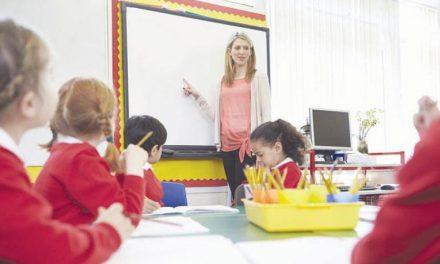 پیشنهاد آموزش زبان عربی در فرانسه جنجال به پا کرد