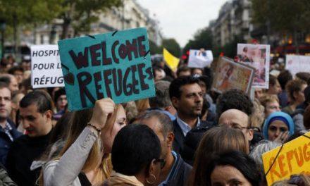 ۱۵۰ شخصیت برجسته فرانسوی خواستار استقبال از مهاجرین شدند