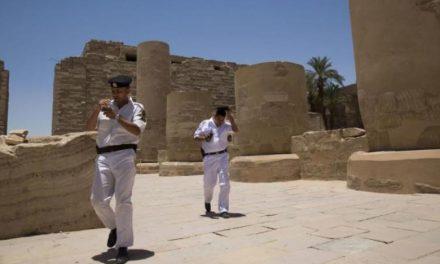 برپایی «جشن عروسی» در یک معبد فرعونی جنجال به پا کرد