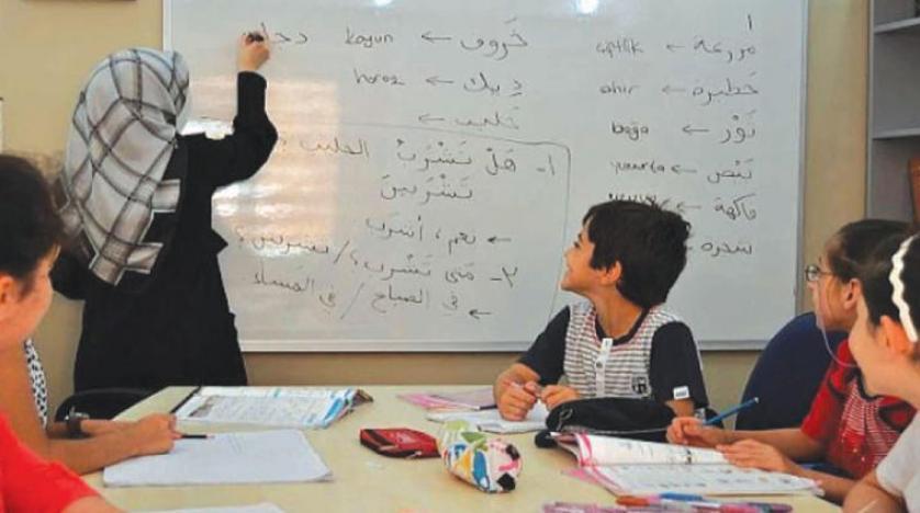 آموزش زبان عربی و ایجاد دو دستگی در محافل فرهنگی و سیاسی فرانسه