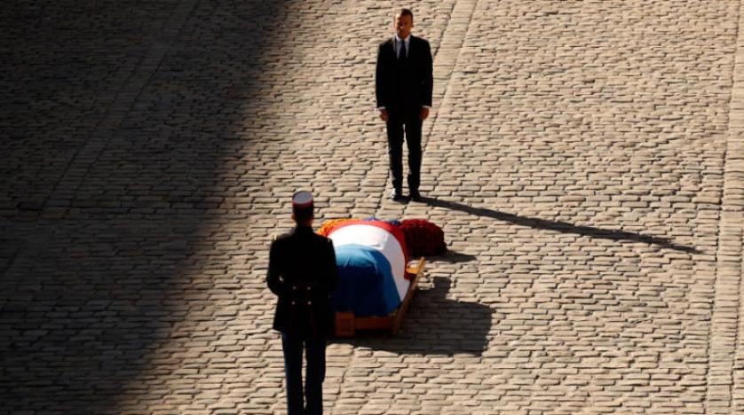 تشییع جنازه رسمی آزناوور با حضور سه تن از روسای جمهور فرانسه
