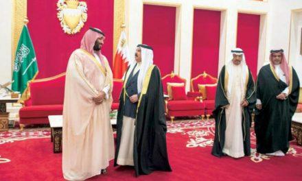 ولیعهد سعودی و پادشاه بحرین خط لوله نفت جدید میان دو کشور را افتتاح کردند